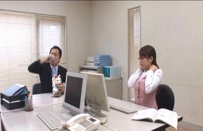 Kirara Kurokawa is a secretary fucked by her boss on the office table
